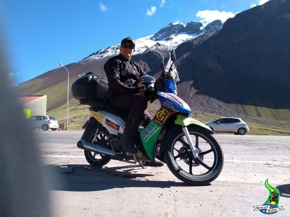 Essa viagem de Bis ao Chile foi Top ( foto na base do Aconcágua) mais de 10.000 km rodados...
